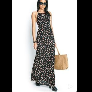 Cluster rose maxi dress 💐